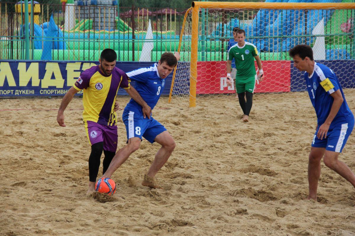 Барнаульский «Локомотив» - бронзовый призёр Национальной любительской лиги по пляжному футболу
