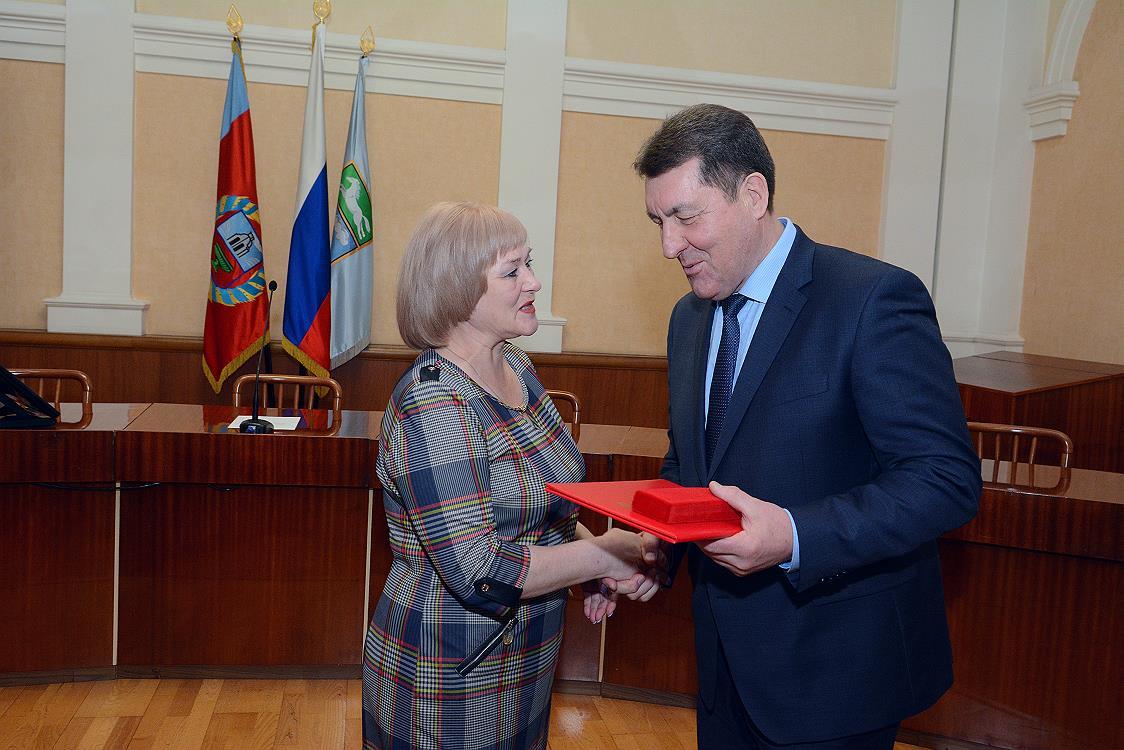 Глава администрации города барнаула дугин фото