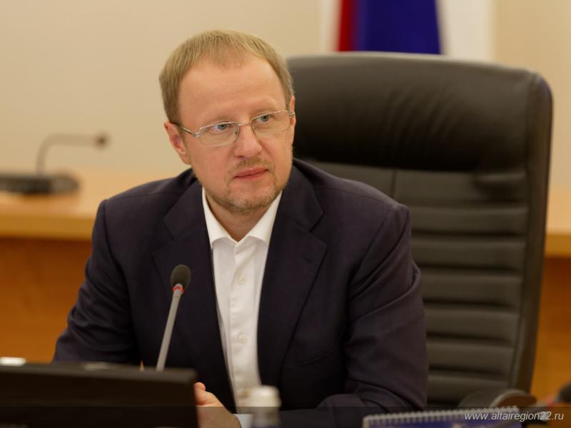 Губернатор  Виктор Томенко встретился с волонтерами - участниками всероссийской стажировки