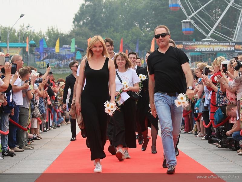 XXI Всероссийский Шукшинский кинофестиваль «Нравственность есть Правда» торжественно открыли в Барнауле
