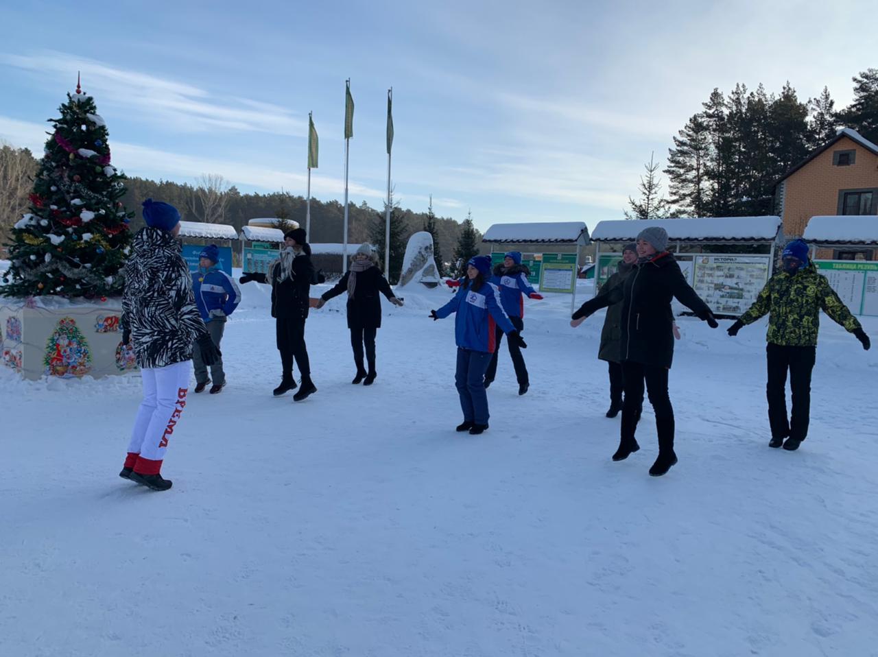 Барнаульцы могут принять участие в «веселых стартах», шуточных спортивных состязаниях, конкурсах и викторинах в спорткомплексе «Олимпийский»