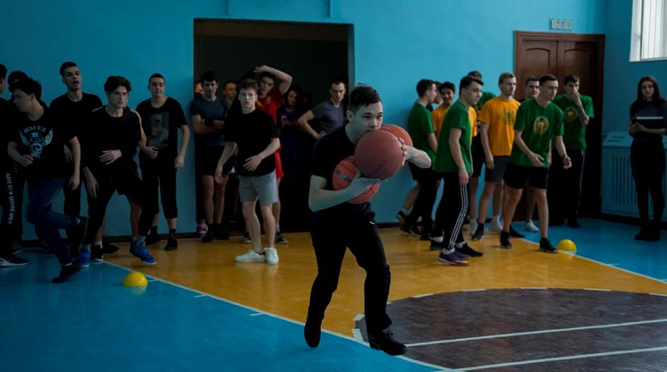 В Барнауле прошла военно-спортивная эстафета, посвященная Дню защитника Отечества
